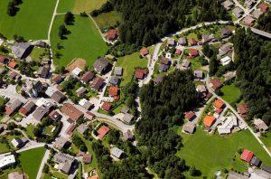 Dorf Luftaufnahme © Peter Maszlen - Fotolia.com